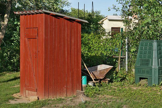 Установка надворного туалета