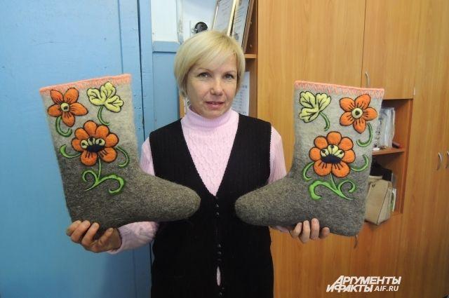 Тюменским почтальонам из-за морозов выдали валенки