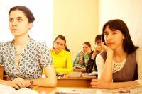 Пока студенты учатся, их больше всего интересует, как все знания донести до экзамена.