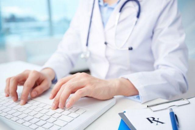 Доступ в интернет по оптическим технологиям получили  349 районных поликлиник.