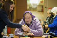 В Омске ищут волонтёров для пожилых пациентов хосписа.