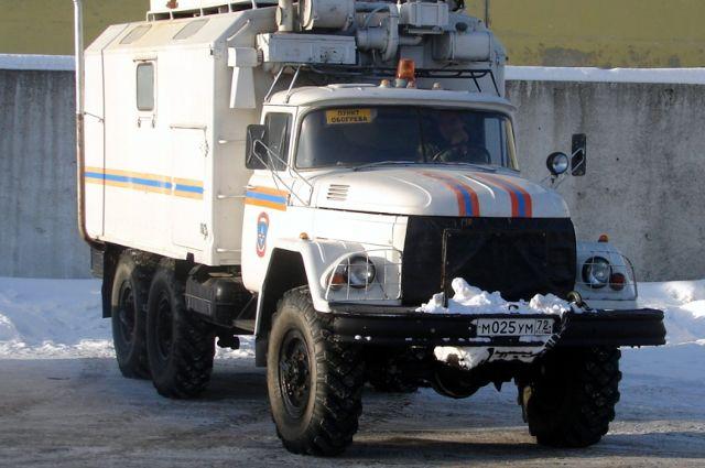 На трассе Тюмень – Омск грузовику МАЗ потребовалась помощь спасателей