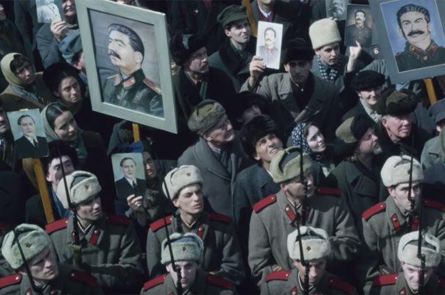 Картинки по запросу кадры из фильма смерть сталина