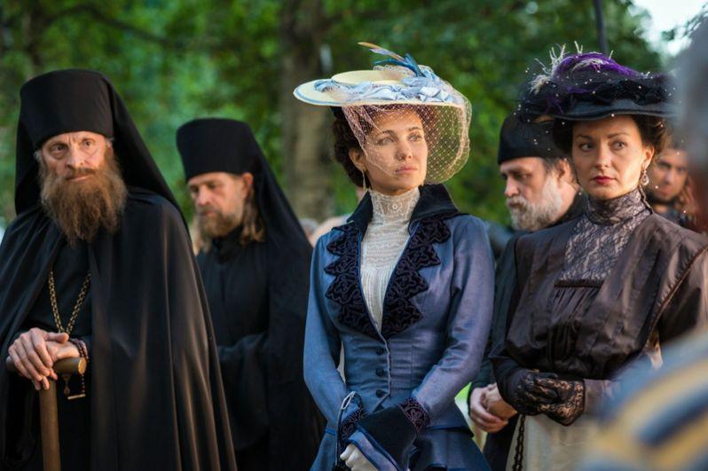 Также она исполнила роль фрейлины Анны Вырубовой в историческом сериале Андрея Малюкова «Григорий Р.» (2014).