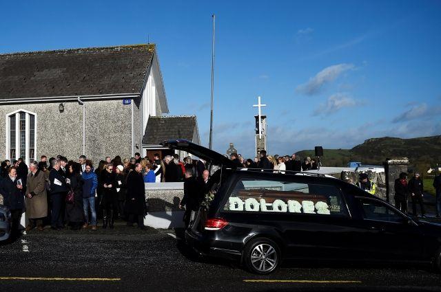 В Ирландии состоялись похороны солистки The Cranberries