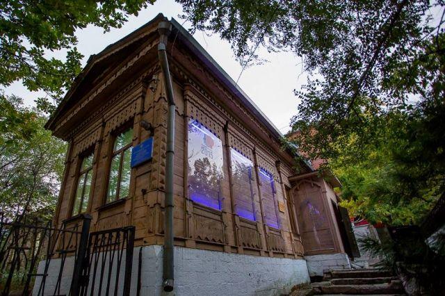 Дом Асеева во Владивостоке дожил до наших дней.