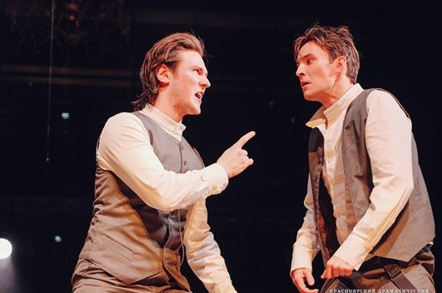 Весь сюжет строится вокруг двух друзей Гамлета.