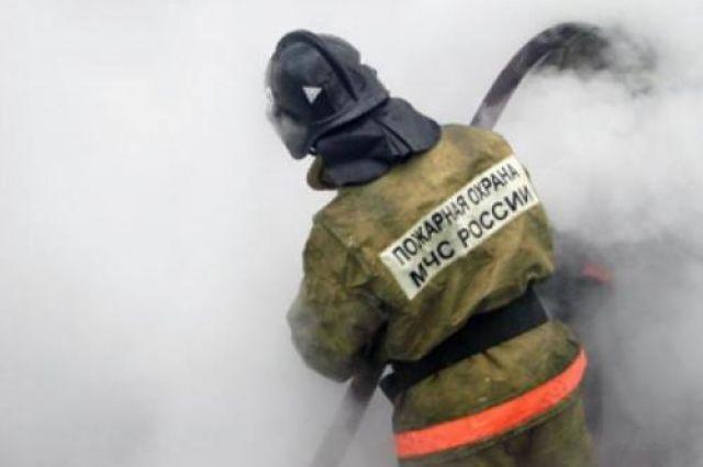 К тушению пожара в п. Лунный от МЧС России, привлекались 5 единиц техники, 23 человека личного состава.