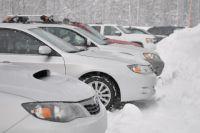 Часто зимой автомобилям приходится «простаивать».