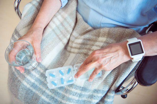 Умные часы для бабушки. 8 устройств, которые облегчат пенсионерам жизнь