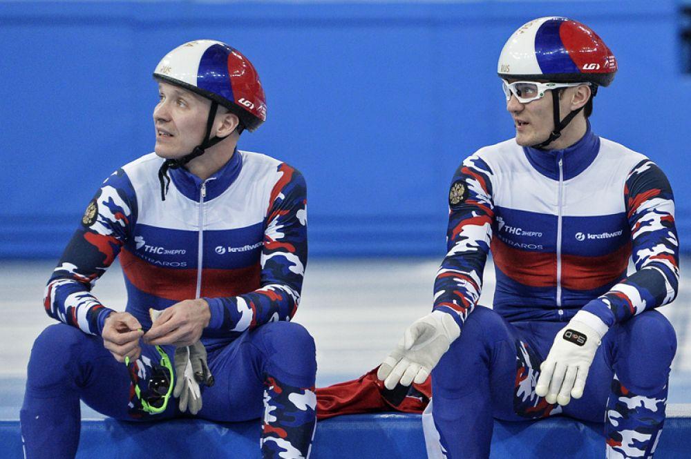 Не допущены также его партнеры по команде, олимпийские чемпионы Руслан Захаров и Владимир Григорьев.