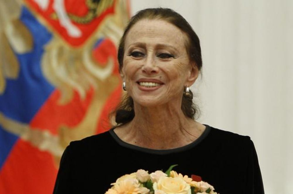 Также 13% считают кумиром балерину Майю Плисецкую.