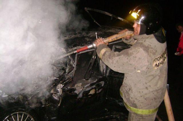 Автомобили зимой часто загораются.