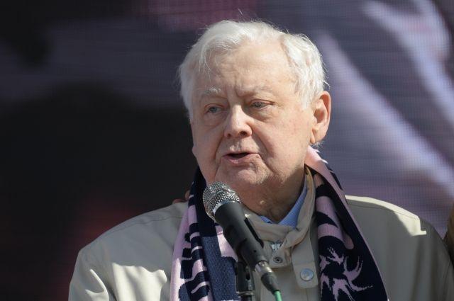 Олег Табаков по-прежнему остается в клинике