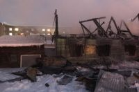Пожарные отстояли соседние дома.