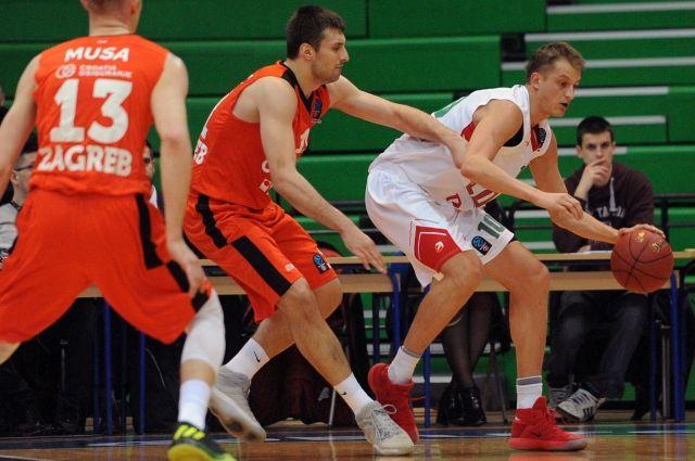 ПБК «Локомотив-Кубань» одержал победу у«Цедевиты» ивышел вплей-офф Еврокубка