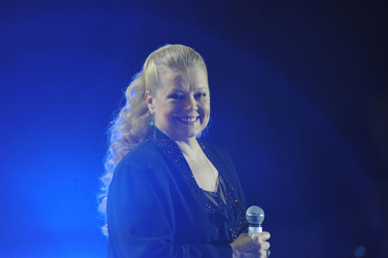 Людмила Сенчина выступает на концерте к 75-летию поэта Николая Рубцова. 2011 год.