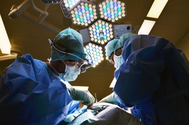 Из-за действий хирурга пациентка скончалась.