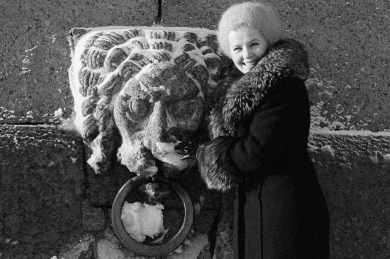 Солистка Ленинградского театра музыкальной комедии Людмила Сенчина. 1974 год.
