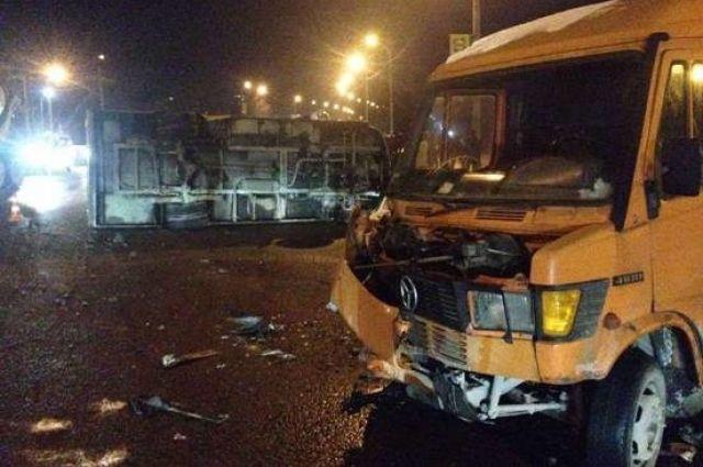 ВоЛьвове маршрутка столкнулась смикроавтобусом, есть пострадавшие