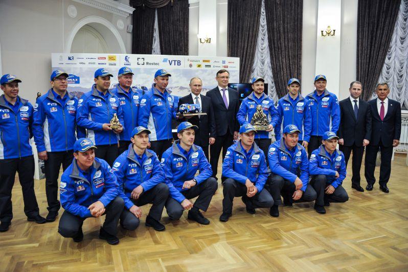 Также в Казани глава страны встретился с командой