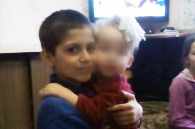 В Краснознаменском районе ушел в школу и не вернулся домой 13-летний Руслан Жвирздинас.
