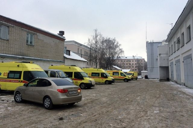 Водители скорой помощи Казани пожаловались, что обслуживают машины за собственный счет