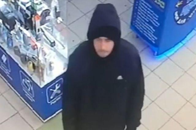 Кузбасские полицейские разыскивают опасного преступника.