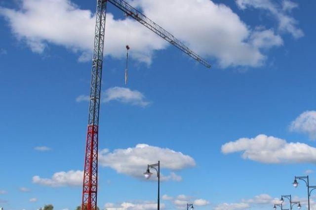 На стройплощадке в Зеленоградске рухнул башенный кран.