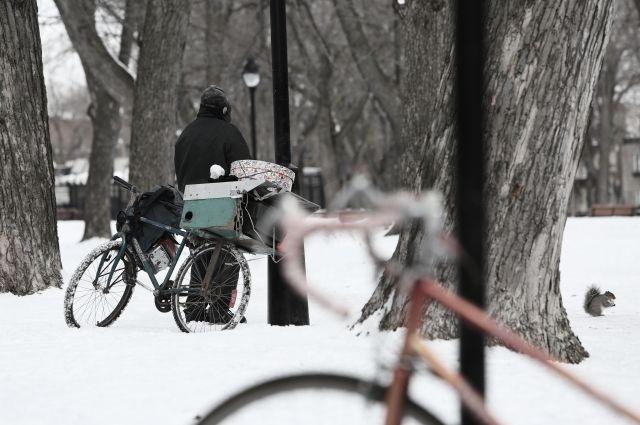Бездомным нужна помощь