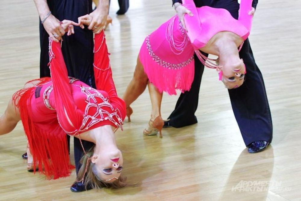 Итоги подводились в разных жанрах и танцевальных категориях.