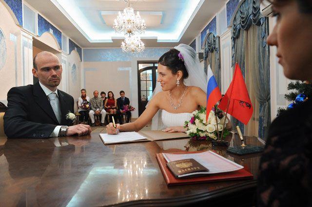 Жизнь Москвы и москвичей в цифрах ЗАГСа
