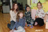 Законодательно РФ позволяет родителям забрать ребёнка из школы и учить его в домашних условиях.