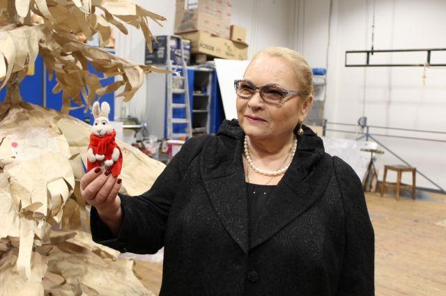 Народная артистка РФ провела экскурсию по БДТ.