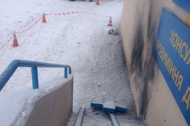 16:33 29/01/2018  54  Взрыв в Харькове полиция рассматривает версию теракта    Полиция рассматривает несколько возможных прич