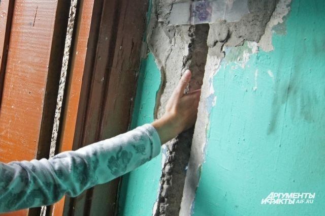 Жителям аварийного дома на Ломоносова пообещали компенсации за аренду жилья.