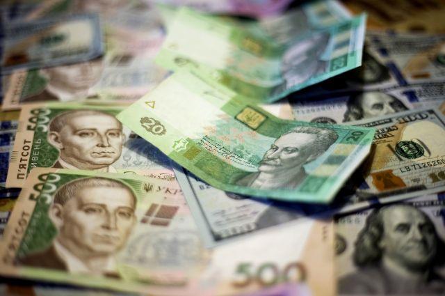 Наличный курс валют 31января: гривна продолжает отыгрывать потерянное нарынке