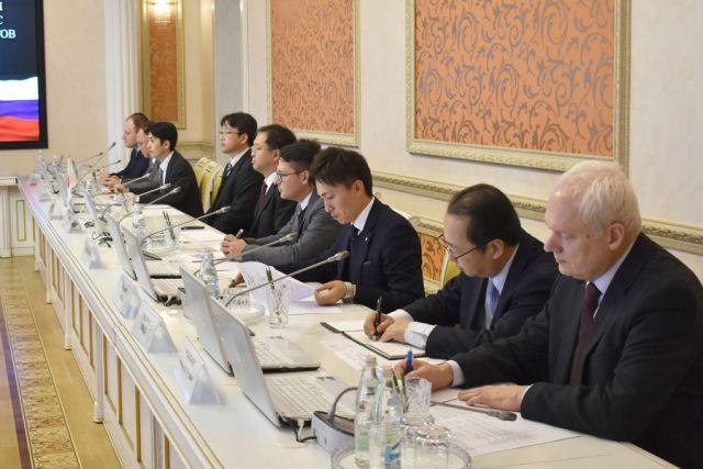 Представители японской делегации рассказали об итогах внедрения интеллектуальной системы управления дорожным движением.
