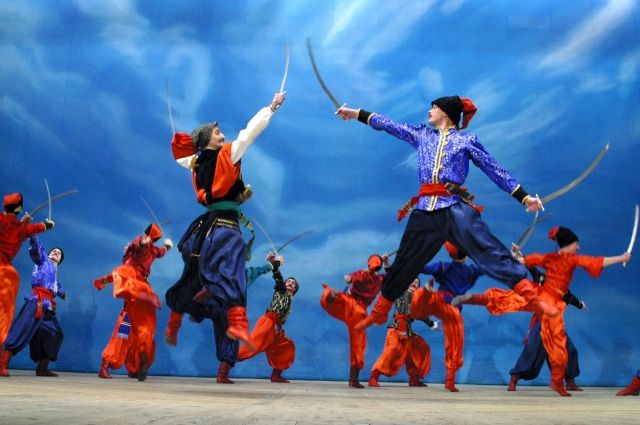 В Оренбург ансамбль песни и танца «Донбасс» даст один концерт.