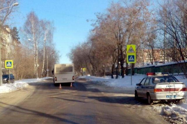ВПерми автобус сбил школьницу напешеходном переходе