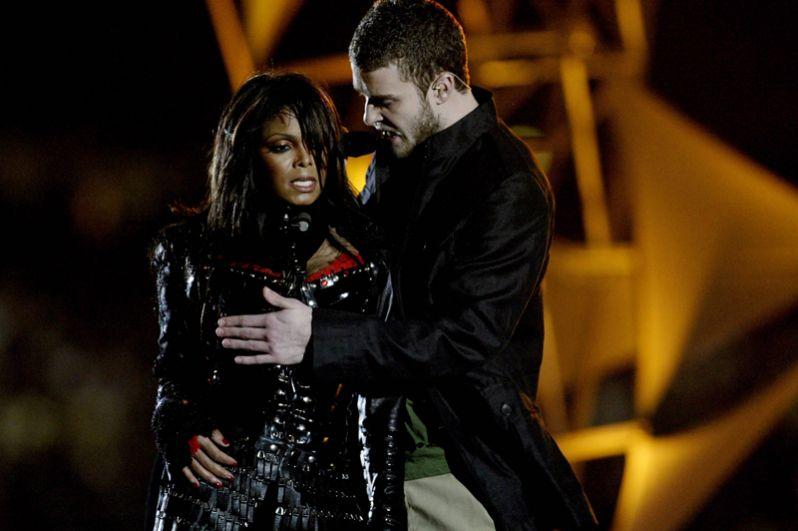 2004 год — Джанет Джексон и Джастин Тимберлейк.