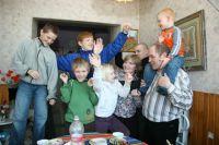 Более 40 тюменских семей получили господдержку в связи с рождением тройни