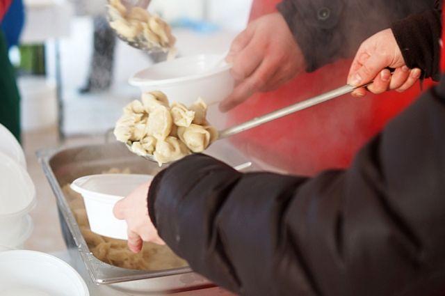 В финальный день фестиваля гости и участники также смогут посетить пельменные туристические маршруты, побывать на звёздных поединках шеф-поваров и в пельменных мастерских.