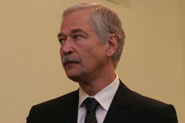 Грызлов призвал Киев снять экономическую блокаду Донбасса