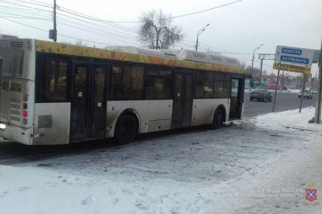 Рейсы на 3-х междугородних маршрутах отменены вСаратовской области из-за снегопада