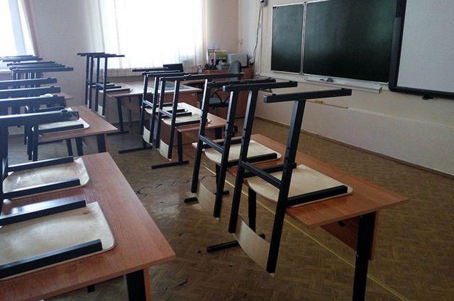 Директора школы, где ранили девочку, отстранили от должности.