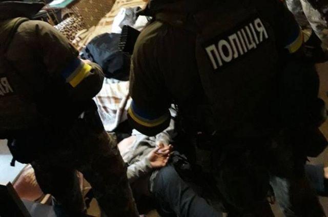 В Киеве поймали преступников, которые ранили гранатой полицейских в Днепре