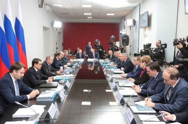 Руководитель Ростовской области попросил В.Путина сохранить поддержку сельхозмашиностроения