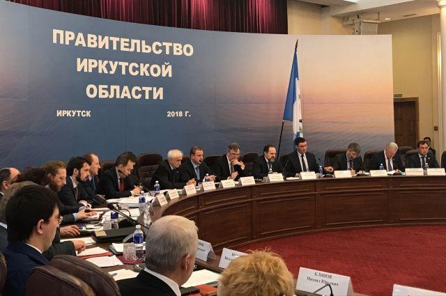 Сергей Донской на заседании в Правительстве Приангарья.