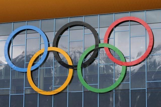 Калининградские автомобилисты провели флешмоб в поддержку олимпийцев.